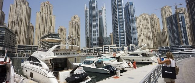 Motorradreisen Dubai Hafen