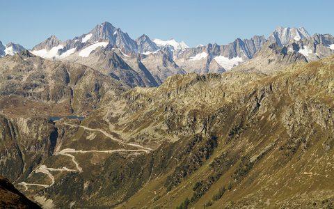 Motorradreisen Alpen – Von den Bergen bis ans Mittelmeer